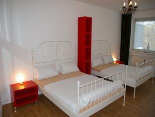 Dinos-City-Apartments Berlin - Guest Room