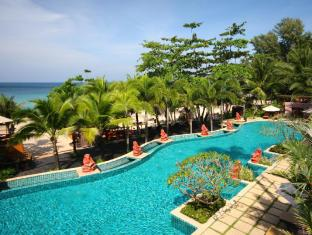 Andaman White Beach Resort Phuket - Swimming Pool