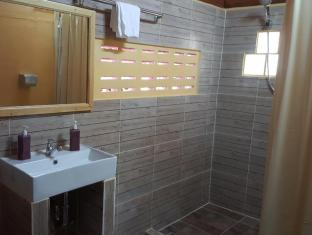 Sabai Corner Bungalows Phuket - Bathroom