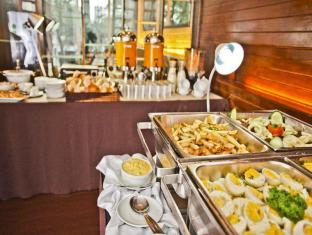 The Exchange Regency Residence Hotel Manila - Breakfast