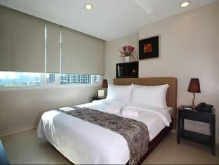 The Exchange Regency Residence Hotel Manila - Masters Bedroom in Suite