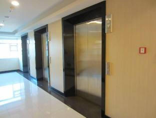 The Exchange Regency Residence Hotel Manila - Guest Lifts