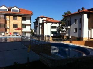 Saint Anna Apartments Varna - Swimming Pool