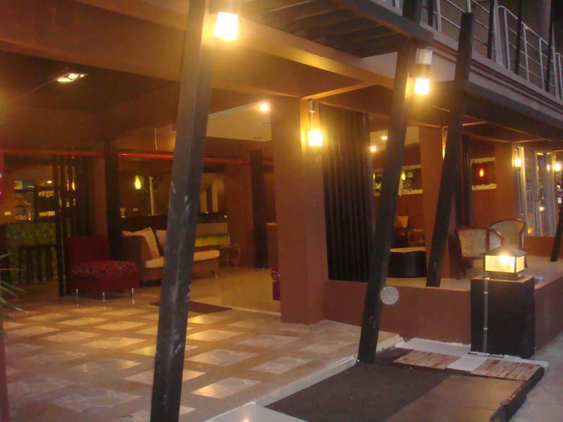 โรงแรมบ้านริมโขง