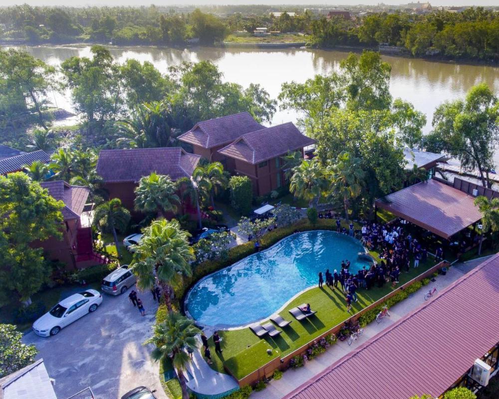 The Grace Amphawa Hotel