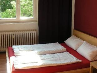 Berlin-Holiday-Apartments Berlin - Apartment Red (max 6 adults)