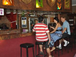 Castle Motor Lodge Whitsunday Islands - bar/salon