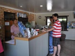 Castle Motor Lodge Whitsunday Islands - Kaunter Tetamu