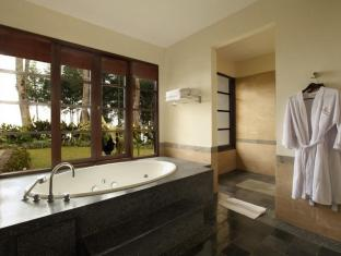 Puri Candikuning Retreat Bali - Bathroom