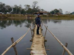 Chitwan Adventure Resort Chitwan National Park - Wooden Bridge