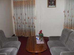 Nice Day Hotel Yangon - Superior Double Bed Room