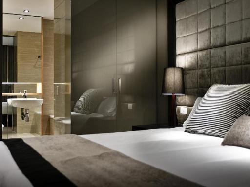 ➦  Fraser Hospitality    (Western Australia) customer rating
