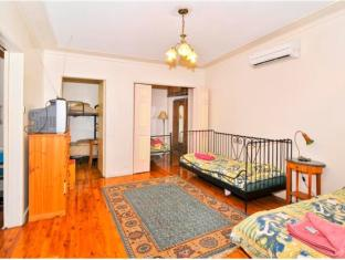 Burwood Bed and Breakfast Sydney - Guest Room