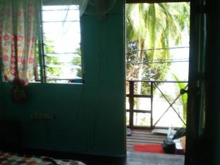 Tanjong Inn Tioman Island - Outside View from Toilet