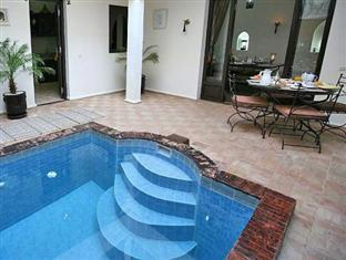 Hotel 9 bedroom Villa, Kuta, Bali - Gg. Kingkong No.99, Kuta, Kabupaten Badung, Bali 80361, Indonesia - Bali