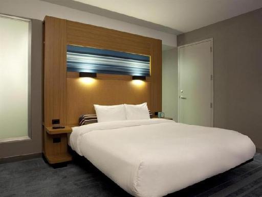 ➦  Starwood Hotels & Resorts Worldwide    (Colorado) customer rating