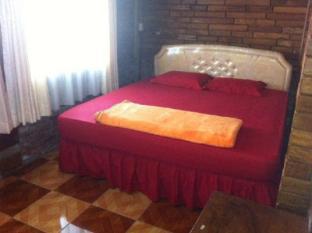 Villa Rumah Kayu (Java Joglo) Bandung - Guest Room