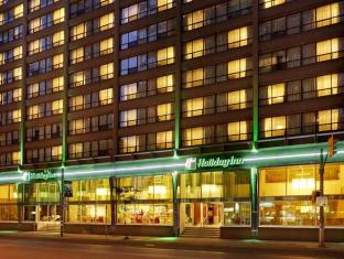 /th-th/holiday-inn-hotel-and-suites-toronto-downtown-centre/hotel/toronto-on-ca.html?asq=jGXBHFvRg5Z51Emf%2fbXG4w%3d%3d