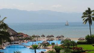 Carrillo's Condo by Unlimited Luxury Villas
