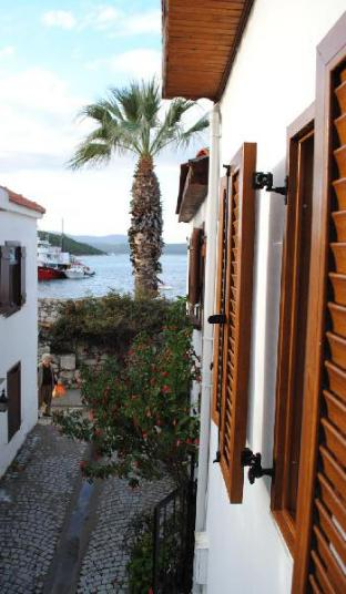 Silenos Boutique Hotel