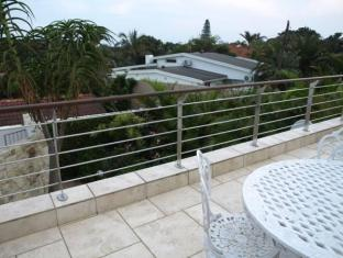 LaLuxe Bed & Breakfast Durban - Balcony Are
