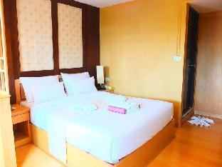 Baan Term Fun Saen Suk guestroom junior suite