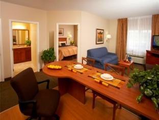 Candlewood Suites Alexandria