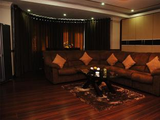 Royal Hotel Angeles / Clark - Suite Room