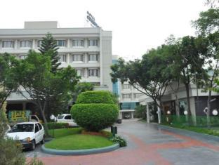 Hotel Cenneys Gateway - Salem