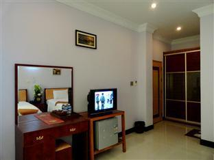 U E Guest House & Restaurant Phnom Penh - Deluxe Twin Bedroom