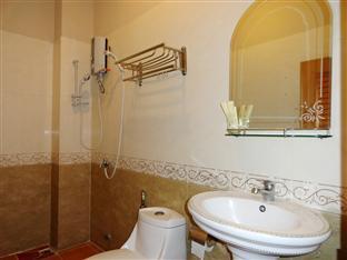 U E Guest House & Restaurant Phnom Penh - Bathroom