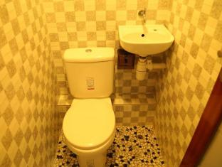 Euro Hostel Hong Kong - Bathroom