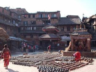 Khwapa Chhen Restaurant and Guest House Bhaktapur - Surrounding Pottery Square