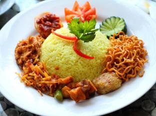 Praja Hotel Bali - Breakfast
