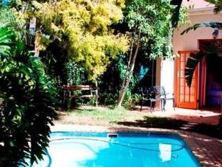 Orchard Lane Guest House Stellenbosch - Swimming Pool