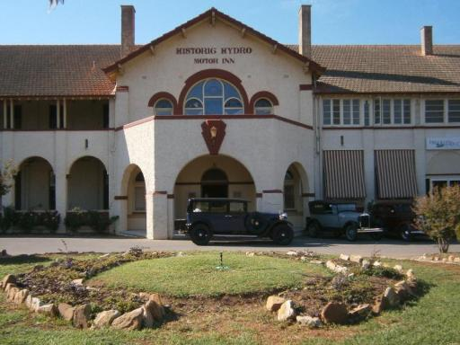book Leeton hotels in New South Wales without creditcard