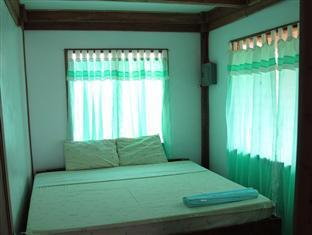 Mayas Native Garden Resort Cebu - Native House Master bedroom