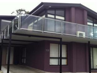 Bay Edge House Hobart - Entrance