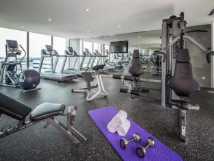 Park Avenue Changi Hotel Singapore - Fitness Room
