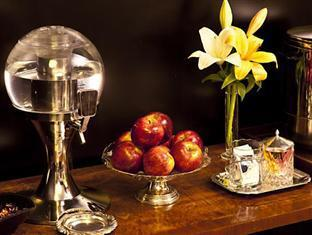 Palermo Tower Hotel Buenos Aires - Fresh Fruits, Coffee and Water