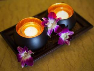 The Yim Siam Hotel Phuket - Decoration