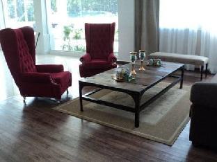 Howard Johnson Hotel & Convention Center Madariaga - Carilo5