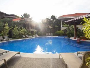 Monte Carlo Luxury Condominiums - Jaco