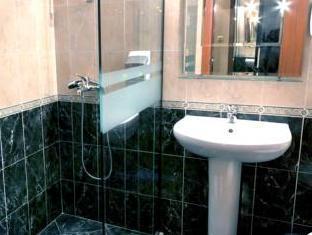 Hotel Vitosha Tulip Sofia - Bathroom