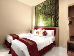 Kuta Central Park Hotel Bali - Suite 2 Bedroom with twin bed