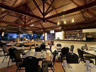 Kuta Central Park Hotel Bali - Lotus Pond Cafe