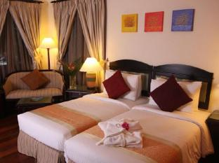 Sibu Island Resort Mersing - Deluxe Room - Hollywood
