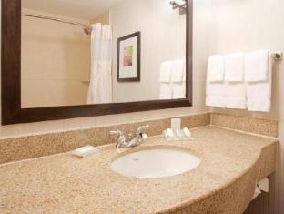 room of Hilton Garden Inn Boca Raton Hotel