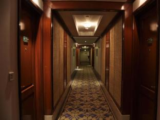 The Uppal - An Ecotel Hotel New Delhi and NCR - Corridor