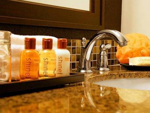 ➦  Starwood Hotels & Resorts Worldwide    (Alaska) customer rating